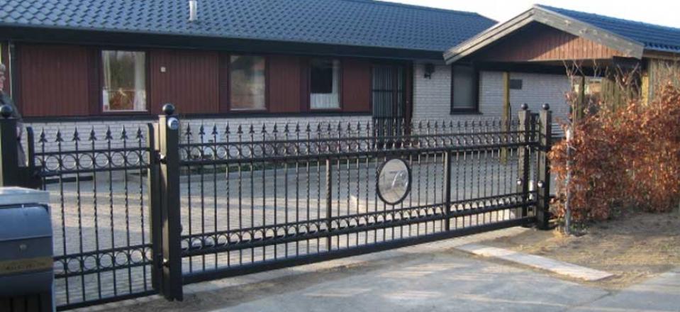 Hegn og porte i smedejern fra Danhegn